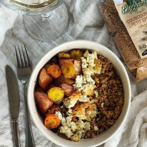 Légumes d'automne et feta rôtis au miel avec semoule de petit épeautre